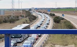 Cuarenta kilómetros de retenciones en la A-6 en la provincia de Valladolid en dirección Madrid