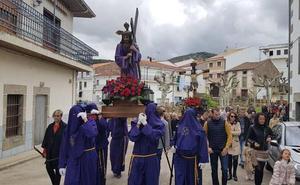 Los pueblos se llenan de procesiones el Viernes Santo