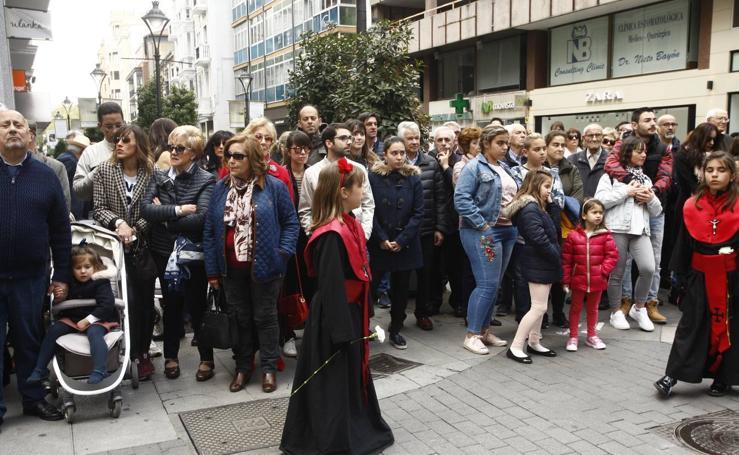 Público en la Procesión del Encuentro en Valladolid (3/4)