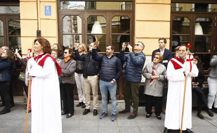 Público en la Procesión del Encuentro en Valladolid (4/4)