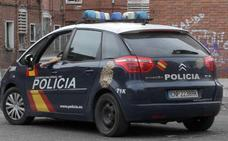 Dos arrestados por quemar el coche de uno de ellos en el barrio vallisoletano de Las Flores