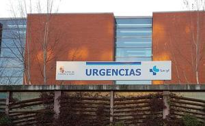 Una patrulla escolta al hospital a una mujer que dio a luz en un coche en un polígono de Valladolid