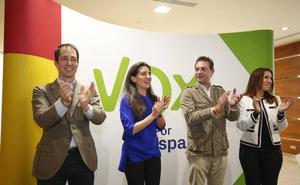 Eva María Pérez Bartol y Rafael Revert, cabezas de Vox Salamanca al Ayuntamiento y las Cortes