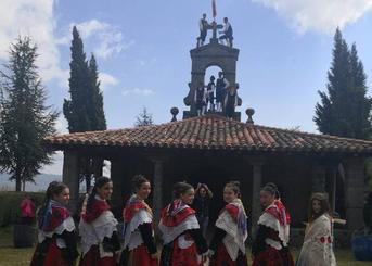 Catorce quintos protagonizan un Día del Pendón muy concurrido en La Alberca