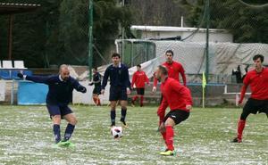 Solidaridad y goles para combatir el mal tiempo
