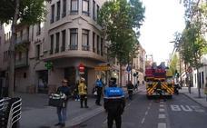 Aseguran una fachada en la calle Duque de la Victoria en Valladolid