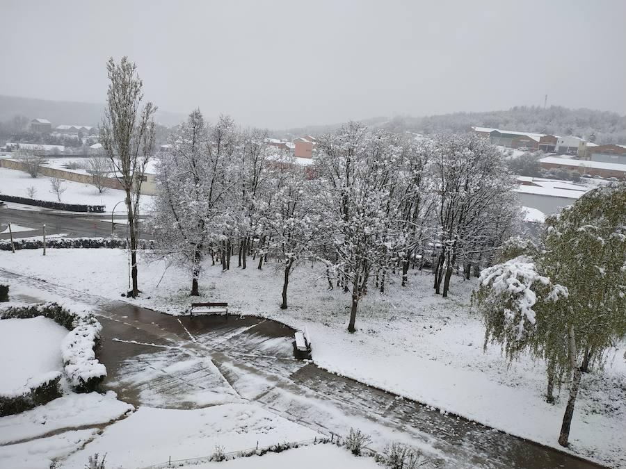 La nieve vuelve a finales de abril al norte de Palencia