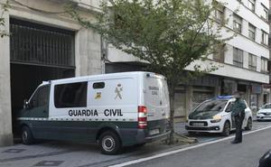 La Audiencia estrena una 'carpa mediática' para acoger a los setenta informadores del juicio por el crimen de la niña Sara