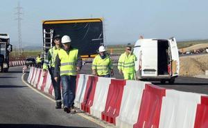 La carretera a Espirdo estará regulada con semáforos durante dos meses por la obra de la SG-20