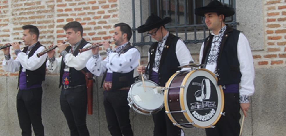 Cientos de arevalenses disfrutaron de la celebración del Día de Castilla y León