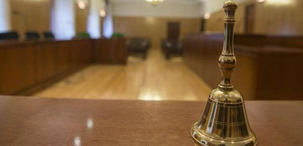 Condenados a penas que suman 10 años de cárcel los acusados de robar y atar a la compañera de piso de uno de ellos