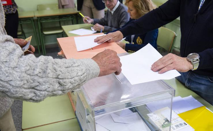 Jornada de elecciones generales en Segovia (3)