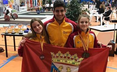 El Club Halterofilia Salamanca logra cuatro medallas, tres de oro y un bronce, en el Nacional júnior