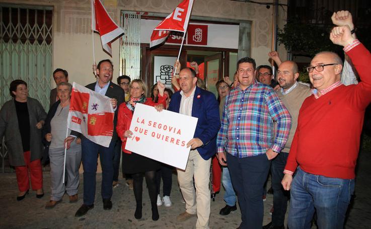 PSOE y PP viven su noche electoral