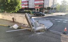 Un camionero que triplicaba la tasa de alcohol derriba una tapia en el Arco de Ladrillo de Valladolid