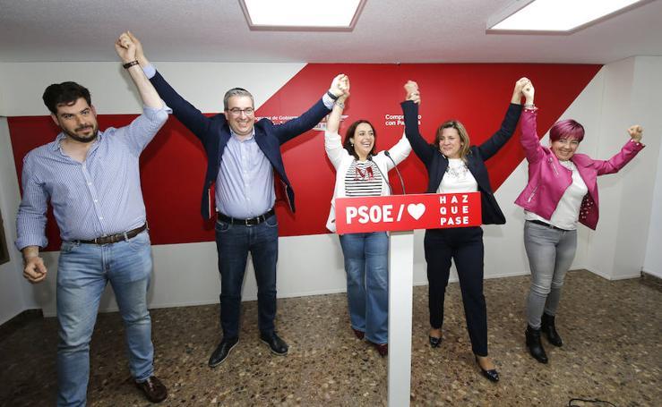 Noche electoral en las sedes de los partidos en Palencia