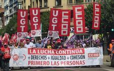 Miles de personas piden al futuro Gobierno que deroge las reformas laborales en un 1 de Mayo entre urnas