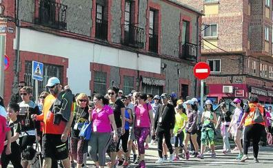 Más de 300 personas apoyan la caminata solidaria de San Lorenzo