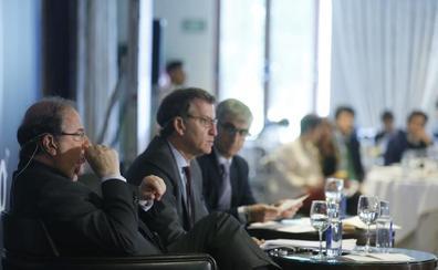 Feijoo a Herrera en el Foro Económico de El Norte: «No te puedes ir porque te necesitamos»