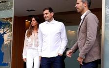Casillas, emocionado al salir del hospital: «No sé qué será del futuro»