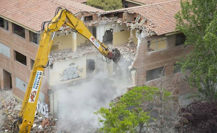 Derribo del antiguo Instituto Santa Teresa en Valladolid