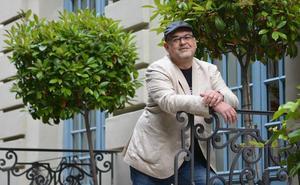 Alexis Ravelo: «César Manrique se convirtió en icono ecologista a pesar suyo»