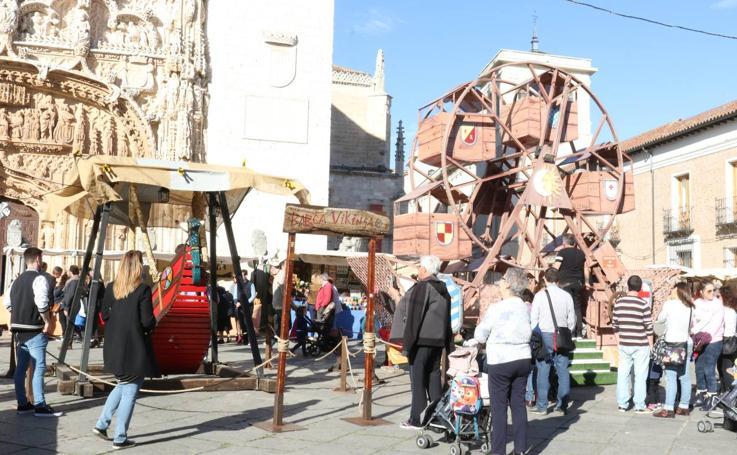 Mercado castellano de San Pedro Regalado en la plaza de San Pablo