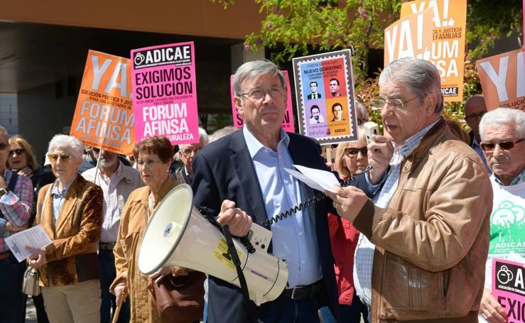Concentración de afectados de Fórum y Afinsa en Valladolid
