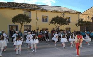 Jotas y paella para acabar las fiestas de Castrodeza