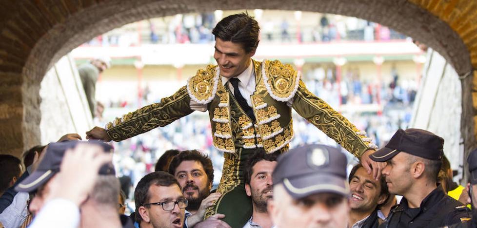 Sevilla encandila a un Paseo de Zorrilla que corea 'Pucela'