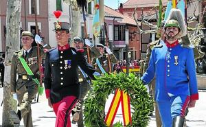 Más de 120 civiles renuevan su compromiso con España en la jura de bandera de Herrera