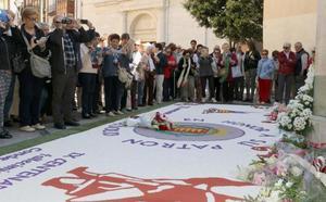 Valladolid honra con versos y flores a San Pedro Regalado