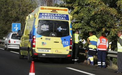 Heridas tres personas en la salida de vía de una furgoneta en la A-6, en Mota del Marqués, Valladolid