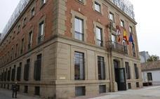 El pintor acusado en Palencia de un delito contra la Seguridad Social asume dos años de prisión