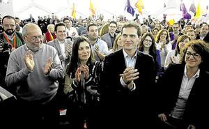 Albert Rivera respalda a Igea con un paseo ciudadano por Ávila