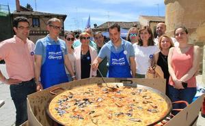 El PP se cocina la campaña, el PSOE vuelve a la plaza y Ciudadanos pasea en familia