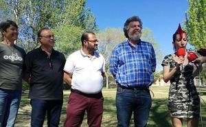 IU-EQUO: El del lobo «es un problema marginal para la ganadería»