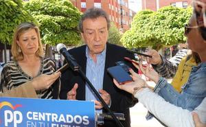 De Santiago-Juárez recuerda a Puente que el alcalde «no es alguien especial» y que él es «mal vecino»