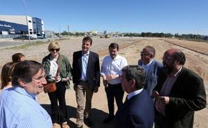 Mañueco reitera en Aranda la promesa de exigir la Autovía del Duero y compromete el nuevo hospital para 2023
