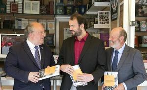 La USAL presenta el primer libro sobre los 100 años de vida de Caja Rural de Salamanca