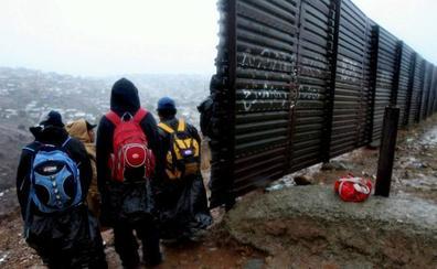 Muere un niño guatemalteco detenido en la frontera de EE UU tras varias semanas en el hospital