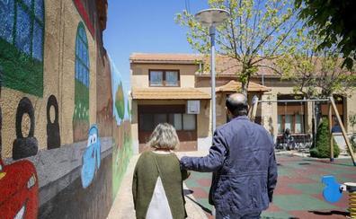 Un error de identidad deja sin pensión de orfandad a una mujer discapacitada en Valladolid