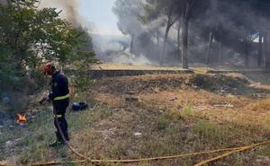 Dos incendios por quemar pelusas obliga a intervenir a los Bomberos de Valladolid