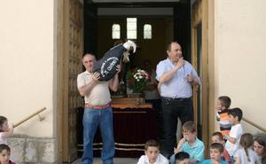 La subasta de ofrendas en Vallelado alcanza los 755 euros