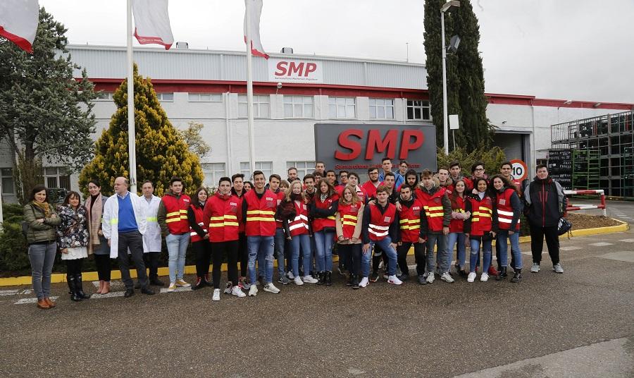 Alumnos del IES Condesa Eylo, en la empresa salmantina SMP