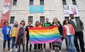 Valladolid se suma al Día Internacional contra la Homofobia, la Transfobia y la Bifobia