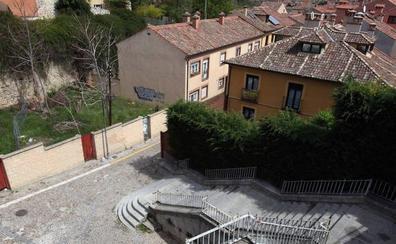 El ascensor entre Gascos y Vía Roma costará 119.000 euros, una tercera parte de lo previsto
