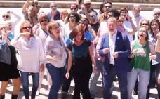 Toma la Palabra canta en las calles de Valladolid para convencer a los votantes