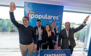 Mañueco se compromete a abrir una residencia de ancianos más en Ávila