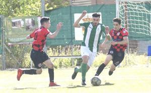 El Universitario golea en el derbi al Simancas